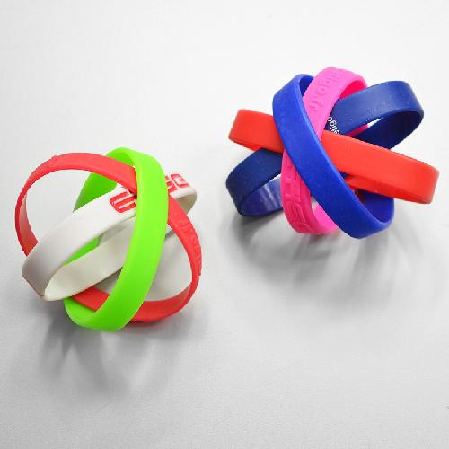 Bracelets Silicone & Tour de Cou